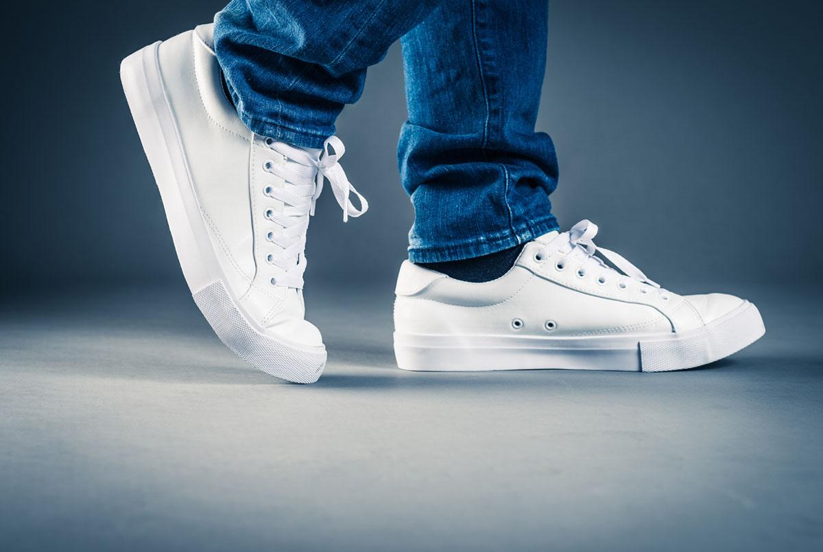 Bagaimana Cara Memilih Sepatu Sneakers Yang Bagus Dan Juga Nyaman Digunakan?