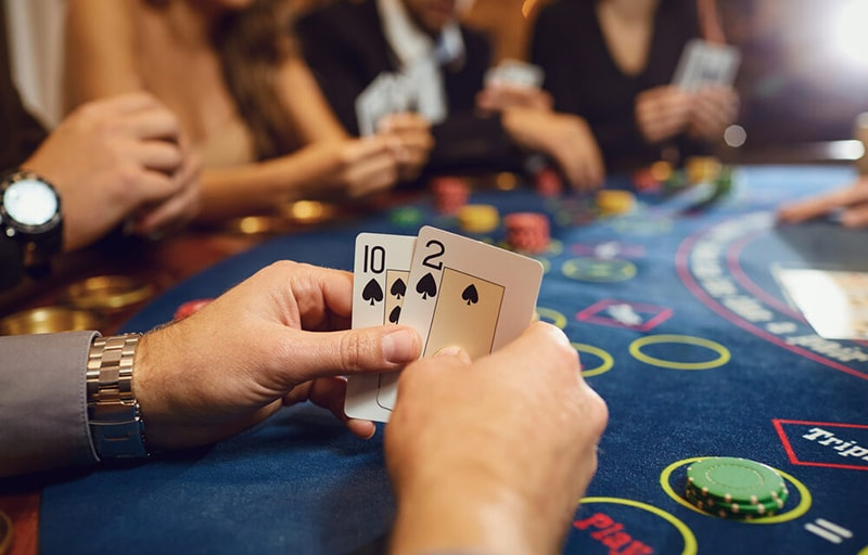 Poker is the Best and Most Profitable Online Gambling Betting Game
